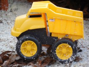 sandbox-yellow truck